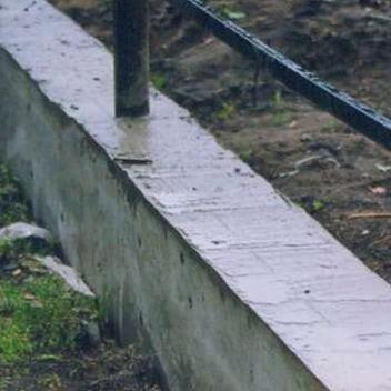 использование гранитного щебня при строительстве забора